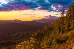Vista hermosa del capo motor del montaje en Oregon, los E foto de archivo