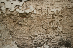 Vista horizontal de la pared colonial del estuco en Asia con el fissur profundo Fotos de archivo