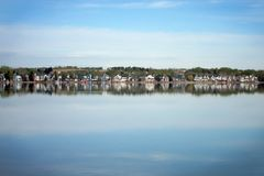 Vista idílico com lago do espelho Fotografia de Stock