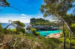 Vista idílico da Espanha de Majorca Mallorca da baía de Cala Moro fotos de stock royalty free