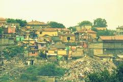 Vista ilegal de la descarga en la ciudad de chabola, Maksuda Foto de archivo libre de regalías