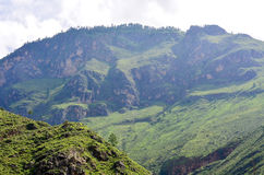 Vista imponente de la cordillera cerca de Timbu imagen de archivo libre de regalías