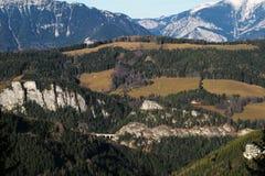 Vista imponente de las montañas y del valle Foto de archivo libre de regalías