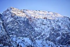 Vista imponente di alte alpi austriache di Tauern nell'inverno Immagine Stock