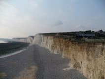 Vista impresionante de los acantilados blancos de Dover imágenes de archivo libres de regalías