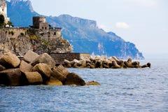 Vista impresionante del Costiera Amalfitana Fotografía de archivo libre de regalías