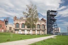 Vista industrial do mineshaft velho na cidade de Katowice poland Imagens de Stock Royalty Free