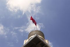 Vista inferior da bandeira turca foto de stock royalty free