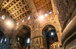 Vista interior de la catedral de Monreale Fotografía de archivo libre de regalías
