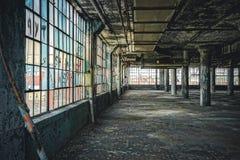 Vista interior de la fábrica abandonada de Fisher Body Plant en Detroit La planta está abandonada y vacante desde que imagenes de archivo