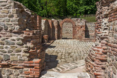 Vista interior de los baños termales antiguos de Diocletianopolis, ciudad de Hisarya, Bulgaria Fotografía de archivo libre de regalías