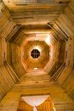 Vista interior de uma igreja imagens de stock royalty free