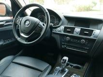 Vista interior de una impulsión 3 de BMW X3 5i parqueado en Lima Imagen de archivo libre de regalías