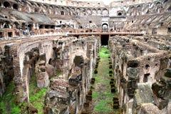 Vista interior del coliseo romano Imágenes de archivo libres de regalías