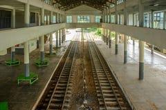 Vista interior del ferrocarril de Loikaw, Myanmar foto de archivo libre de regalías