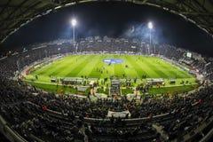 Vista interior del lleno en el estadio de Toumba, Griego Superleague m Foto de archivo libre de regalías