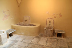 Vista interior do Bathhouse turco do otomano na ilha de Kos em Grécia Imagem de Stock