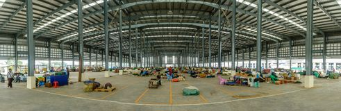Vista interna del mercado vegetal de Danyingone, Jan-2018 fotos de archivo