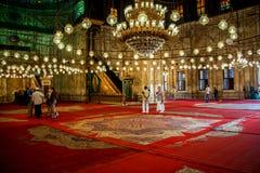 Vista interna della moschea dell'alabastro a Il Cairo fotografia stock