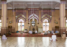 Vista interna di Memon Masjid Karachi Immagine Stock Libera da Diritti