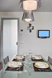Vista interna di una sala da pranzo moderna Fotografia Stock