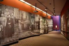 Vista interna do museu memorável do holocausto, no Washington DC, EUA fotos de stock