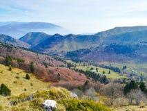 Vista italiana del paesaggio di autunno, alpi Immagine Stock