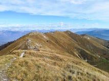 Vista italiana del paesaggio di autunno, alpi Immagini Stock Libere da Diritti