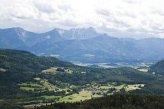 Vista a Karawanks, confine austriaco Immagini Stock