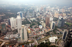 Vista Kuala Lumpur, Malesia di sera Immagine Stock
