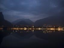 Vista a la ciudad de la madrugada Fotografía de archivo