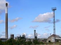 Vista a la fábrica de productos químicos Foto de archivo