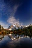 Vista larga verticale di Mt Shuksan Fotografia Stock Libera da Diritti