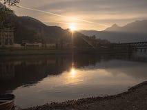 Vista a las montañas Imagen de archivo libre de regalías