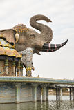 Vista lateral da abóbada do elefante de Wat Ban-Rai Imagens de Stock Royalty Free