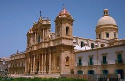 Vista lateral da catedral de Noto Imagem de Stock