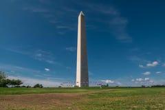 Vista lateral de la luz del día de Washington Monument en Washington, DC, capital de los E.E.U.U. Fotos de archivo