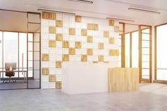 Vista lateral de uma entrada do escritório com a parede branca e de madeira telhada, t ilustração stock