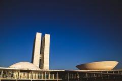 Vista lateral del congreso nacional en brasÃlia foto de archivo