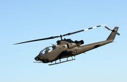 Vista lateral del helicóptero del ejército imágenes de archivo libres de regalías