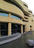 Vista lateral del Museo Nacional de Smithsonian del indio americano Imagen de archivo libre de regalías