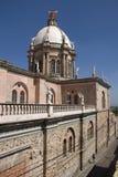 Vista lateral do templo de Sagrado Corazon no alto do EL de Apaseo Imagem de Stock