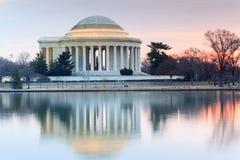 Vista lateral iluminada Thomas Jefferson Memorial Fotografía de archivo