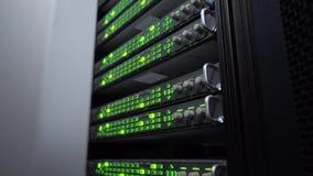 Vista lateral Rede da Web, tecnologia da telecomunicação do Internet, armazenamento de dados grande vídeos de arquivo