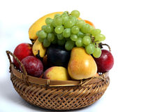 Vista laterale del cestino di frutta Immagine Stock Libera da Diritti