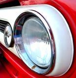 Vista laterale del headlihgt rosso del camion Fotografia Stock Libera da Diritti