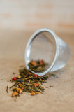 Vista laterale del primo piano del filtro del tè Immagini Stock