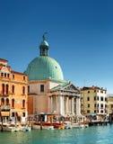 Vista laterale del San Simeone Piccolo a Venezia, Italia Fotografia Stock