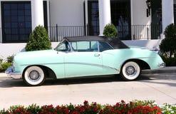 Vista laterale del veicolo classico di Buick Skylark degli anni 50 Fotografia Stock Libera da Diritti