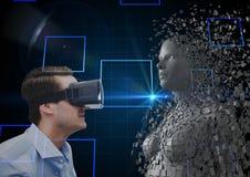 Vista laterale dell'uomo d'affari che esamina essere umano 3d sui vetri di VR Fotografia Stock